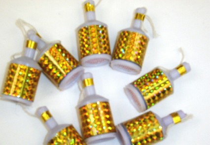 Party Poppers - Gold